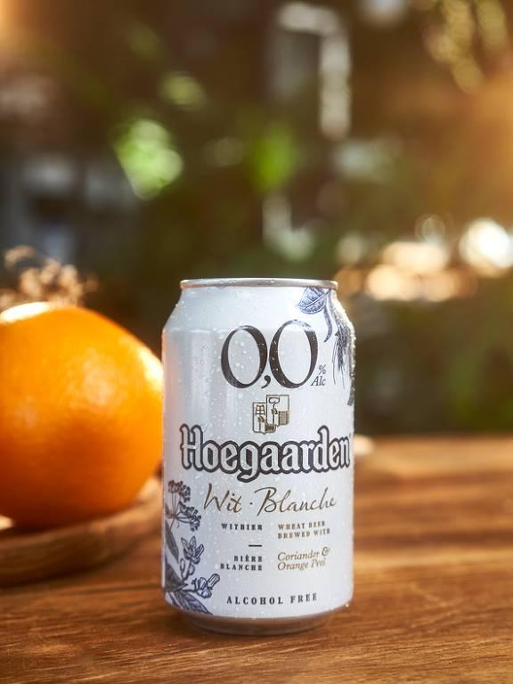 Hoegaarden lança no Brasil versão limitada de cerveja zero álcool