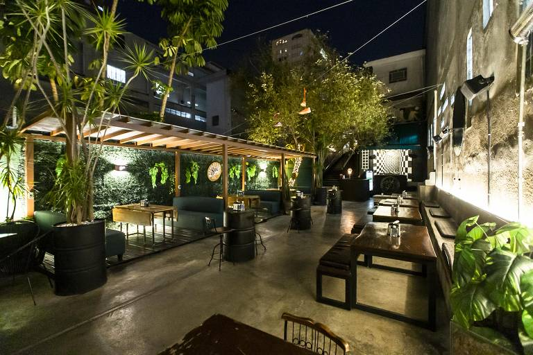 Iscondido Bar, casa de drinques que tem endereço secreto em SP