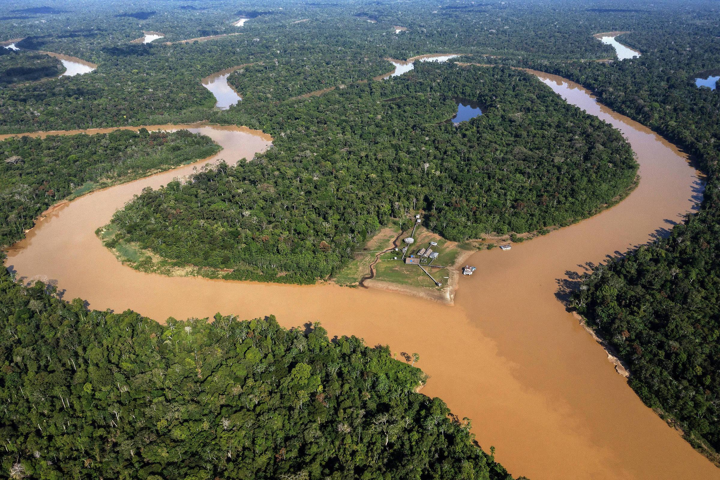 Base da Funai do rio Itui, na confluência com o rio Itacoai, que funciona como um posto de controle para entrada na Terra Indigena do Vale do Javari, no Amazonas