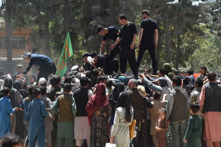 Tiroteios são ouvidos na periferia de Cabul, alarmando moradores