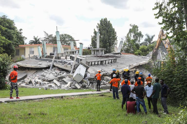 Terremoto causa destruição no Haiti