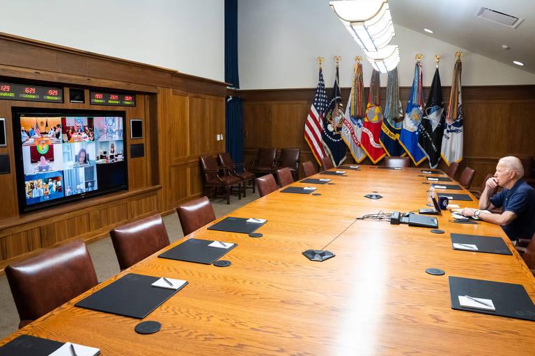 Biden prepara discurso sobre Afeganistão em meio a onda de críticas e contradições