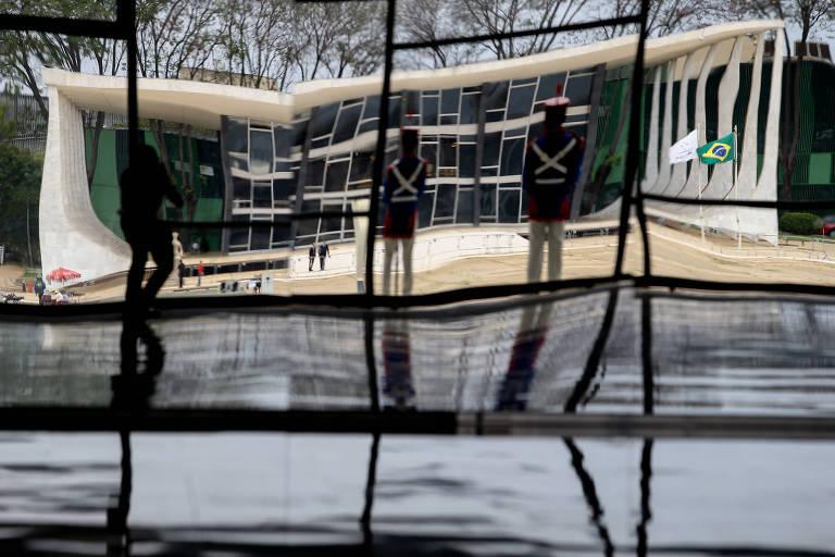 Judiciário é barreira final contra aspirantes a ditador, indica estudo