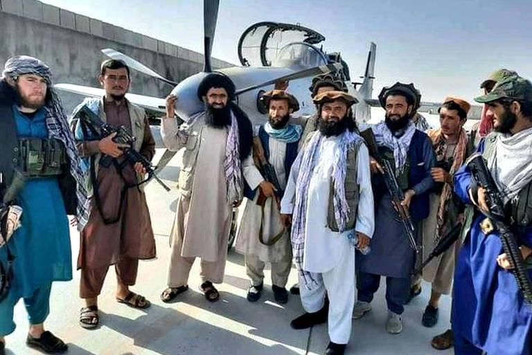 Taleban e EUA disputam caças brasileiros que deixaram o Afeganistão