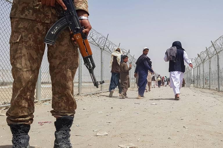 Ascensão do Taleban deve alterar correlação de forças, e vizinhos temem mais revoltas