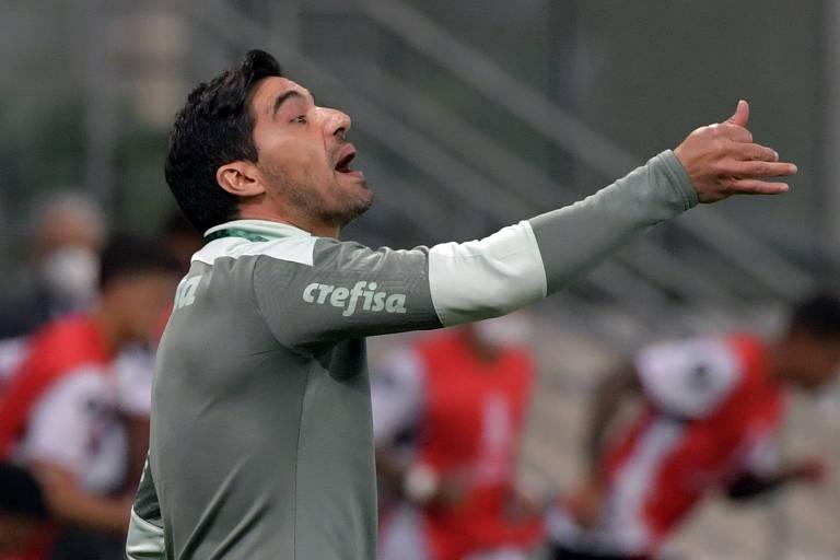 Abel Ferreira reconhece que a briga pelo título brasileiro ficou mais difícil
