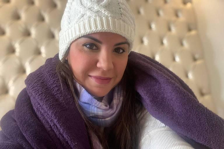 A empresária de marketing digital Ane Pastorelli 33, tem seu problema de hérnia piorado no frio