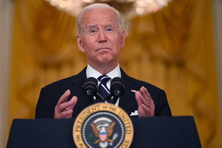 Afeganistão, China e vacinas mostram um Biden mais Trump do que Trump