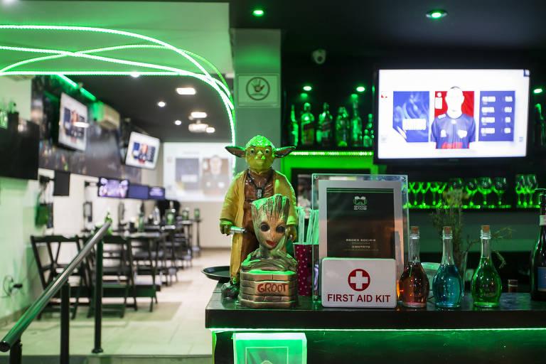 Bar gamer em São Paulo serve drinques inspirados em 'League of Legends'