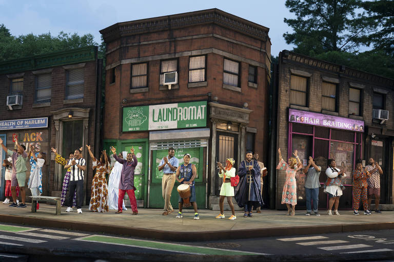 Atores no teatro ao ar livre Delacorte, no Central Park, que voltou a apresentar o programa gratuito Shakespeare in The Park