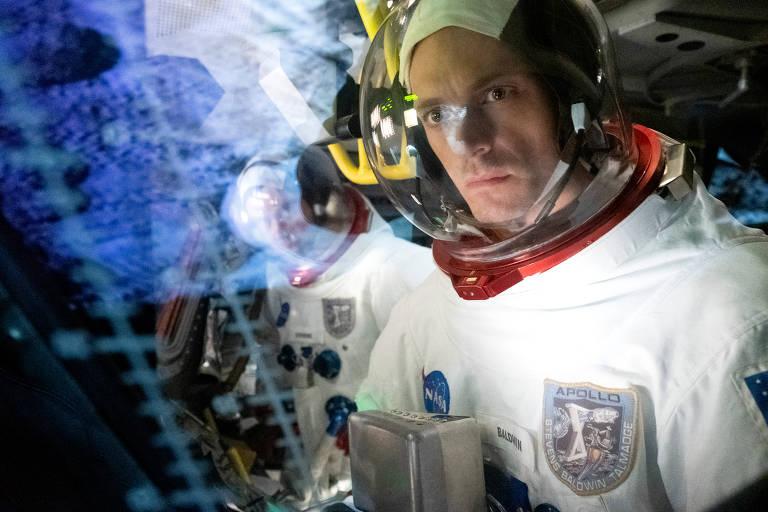 Cena de 'For All Mankind', série do Apple TV+ sobre uma realidade em que a União Soviética venceu a Corrida Espacial