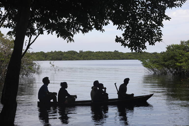O canoísta Isaquias Queiroz inspira comunidade indígena