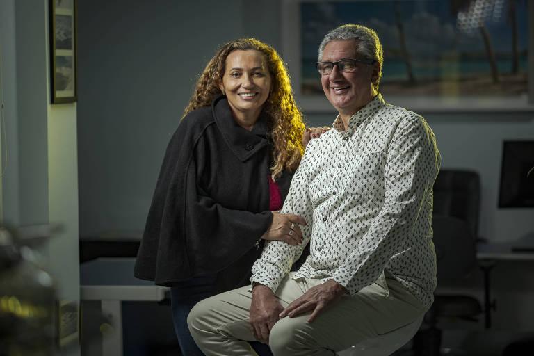 O casal Maria Luiza da Silva e Edvaldo Ugarte, dono de duas pousadas e um restaurante nos Lençóis Maranhenses