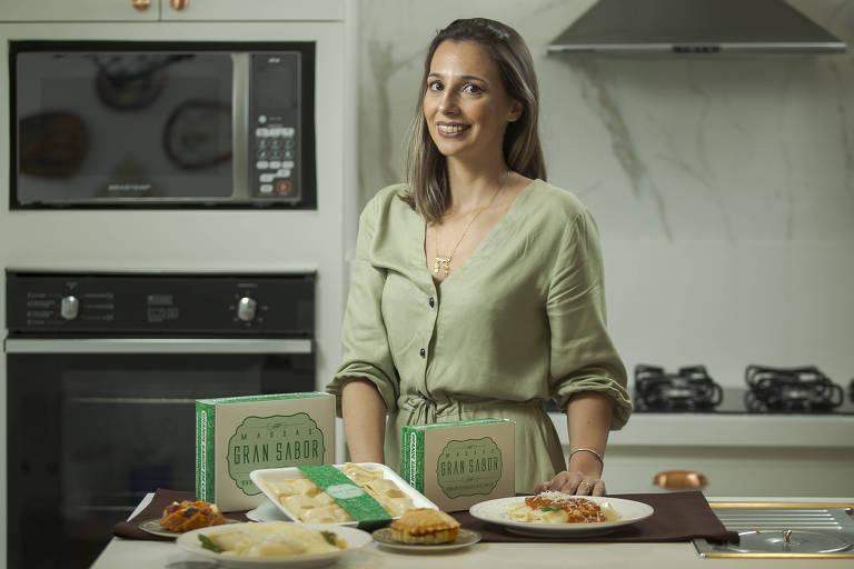 Viviane Berno Ferrante, que abriu uma rotisseria na Riviera de São Lourenço, bairro de Bertioga (SP)