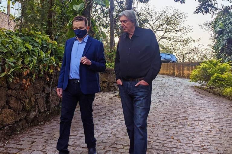 Sérgio Reis dá entrevista para Roberto Cabrini