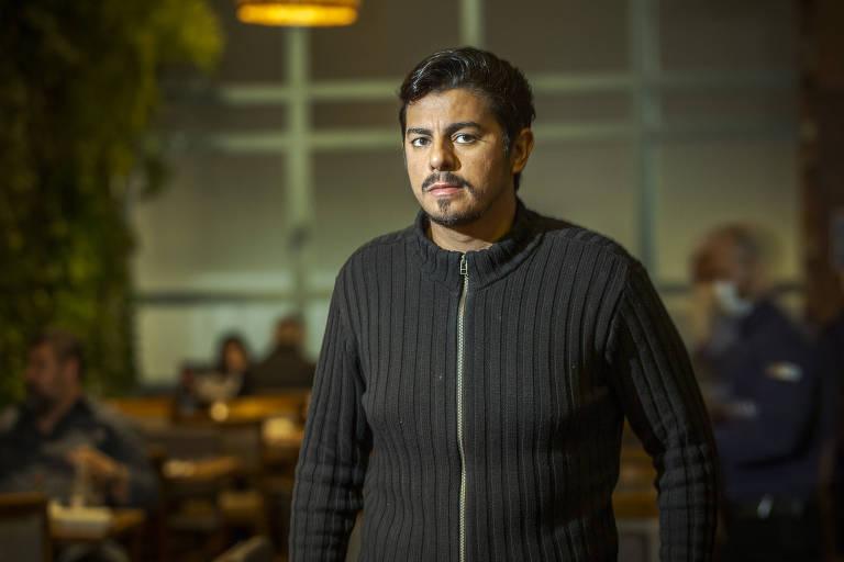 Imagem mostra Guilherme Temperani, 34, sócio-proprietário do restaurante Uru Mar y Parrilla, no Tatuapé, que pretende manter a ocupação do restaurante em 60% mesmo com o fim das restrições do governo do estado