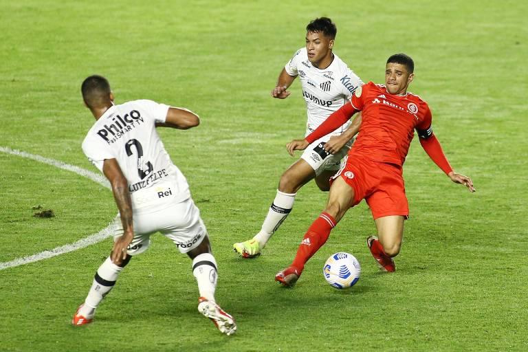 Santos só empata com Inter pelo Brasileiro antes de novo mata-mata