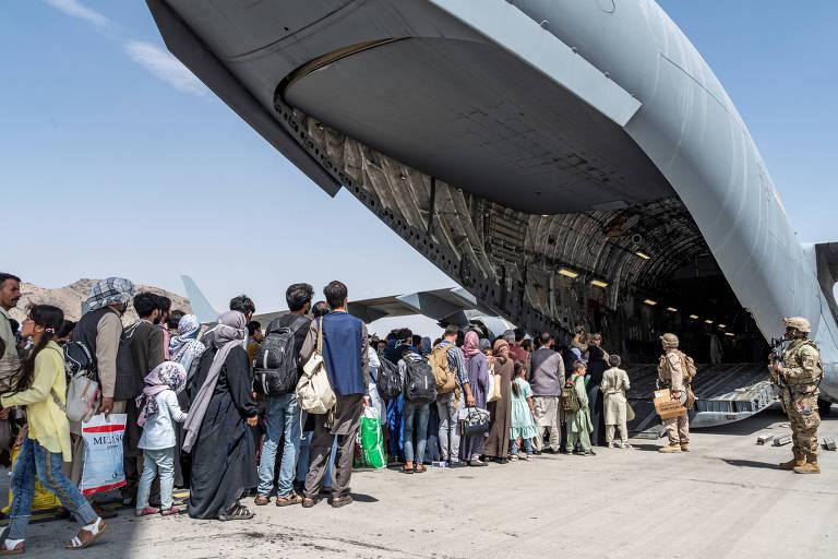 Talibã ameaça EUA caso prazo para retirada de tropas seja estendido