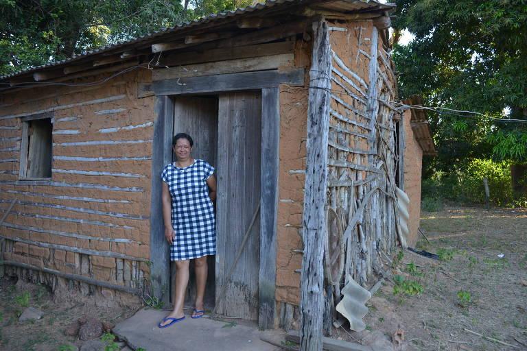 A dona de casa Sônia Maria, 53 que mora na comunidade Jejum, em Poconé