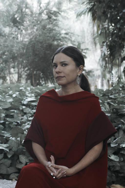 A escritora Carola Saavedra