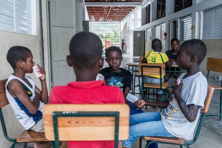 Entidades pedem que Brasil facilite vistos para haitianos após terremoto