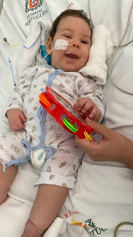 Benjamin Brener Guimarães tem pouco mais de 3 meses e foi diagnosticado com AME (Atrofia Muscular Espinhal) tipo 1; sua família faz campanha para arrecadar R$ 12 milhões para a importação do zolgensma