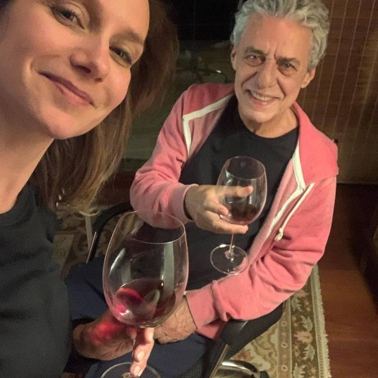 Caroline Proner e Chico Buarque