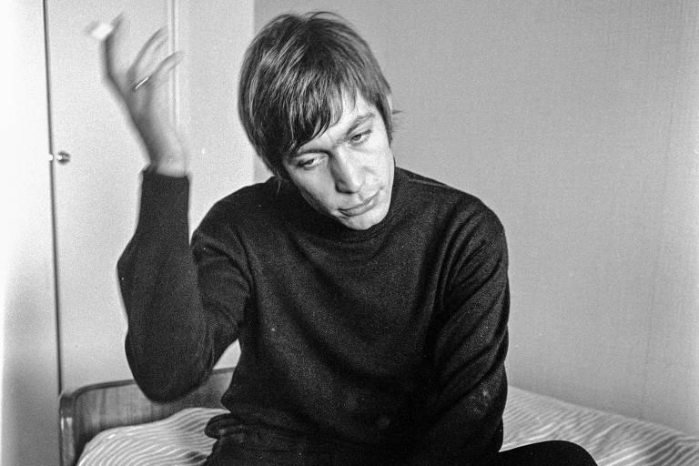Morre Charlie Watts, baterista dos Rolling Stones e grande força rítmica do rock
