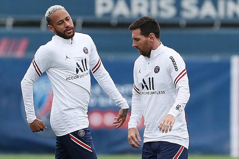 Como seria uma tabela de Neymar e Messi de olhos vendados?