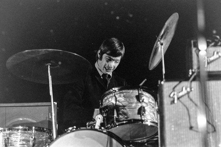 Ouça dez músicas para conhecer Charlie Watts, baterista morto aos 80