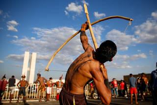 INDIOS / INDIGENAS / LUTA PELA VIDA / PROTESTO / PANDEMIA / DEMARCACAO