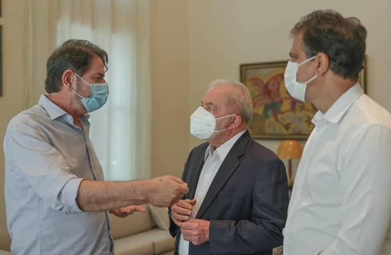 Lula se reúne com o senador cearense Cid Gomes (PDT) e o governador Camilo Santana (PT) em Fortaleza