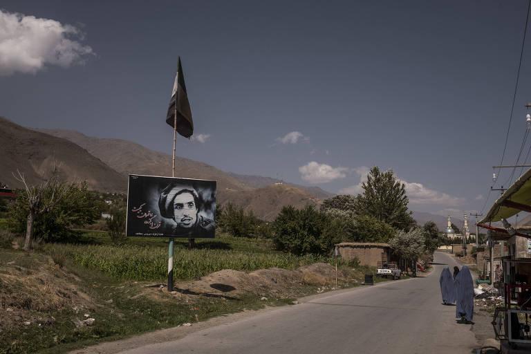 Combatentes defendem última área não controlada pelo Talibã, sem grandes chances de êxito