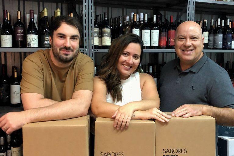 Henrique Rost (à esq.),  Juliane Ramos (centro) e  Eduardo Ramos (à dir.)