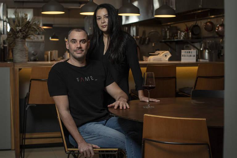 O casal Marco e Erika Renzetti, que comandam a Fame Osteria