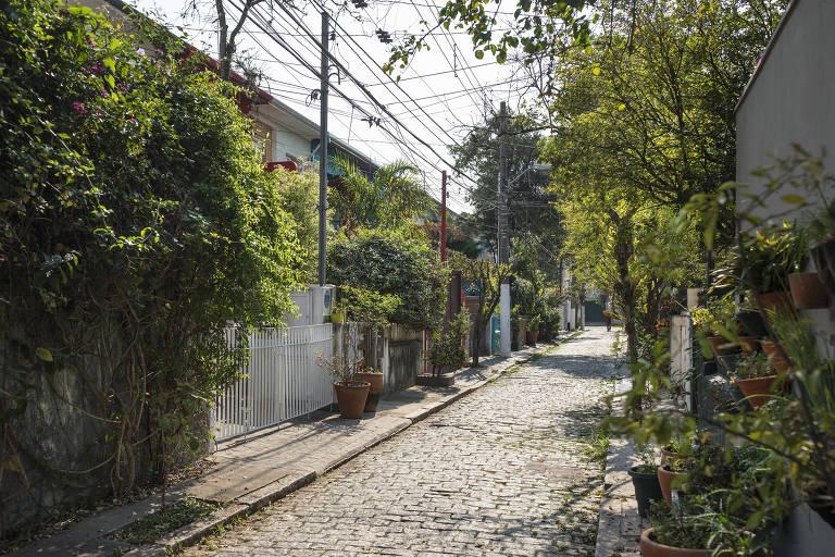 Rua Rutília, no Jardim América