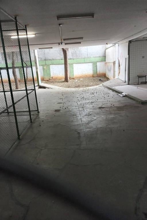 Rachaduras em escola estadual na zona oeste de SP assustam pais de alunos