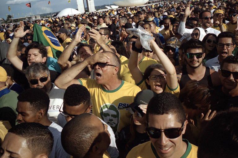 Mauro Restiffe opõe posses de Lula e de Bolsonaro em instalação na 34ª Bienal de São Paulo