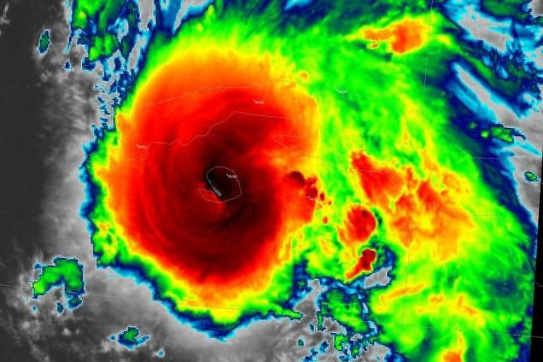 O furacão Ida deve atingir os EUA neste domingo (29)