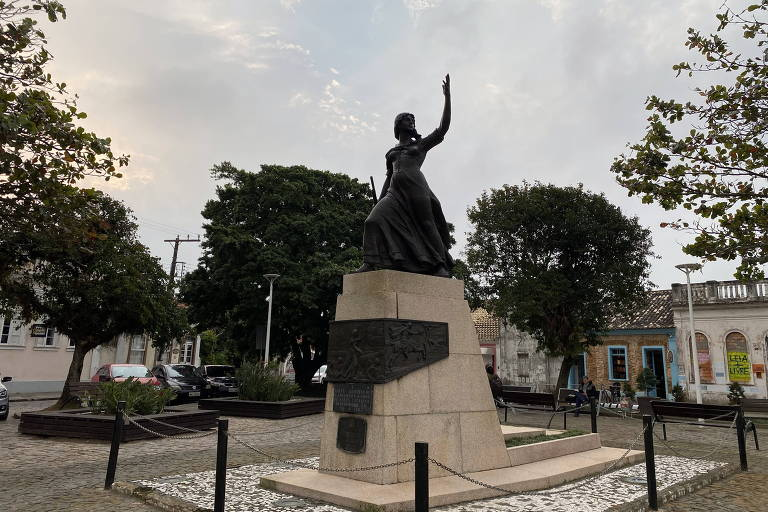 Bicentenário de Anita Garibaldi gera debate ideológico em torno do legado da revolucionária
