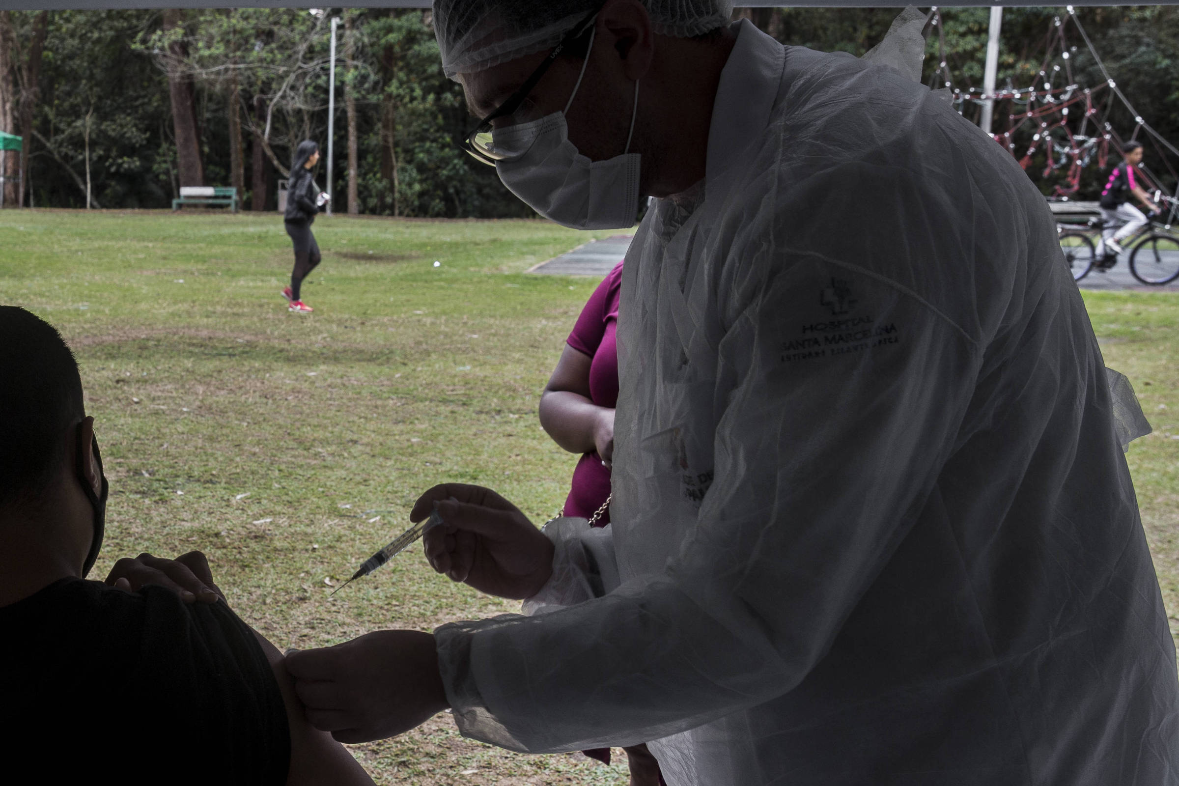 SP abre parques para vacinar contra Covid neste domingo (24); veja os locais