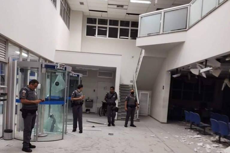 Araçatuba (SP) amanhece sem aulas para varredura à procura de bombas