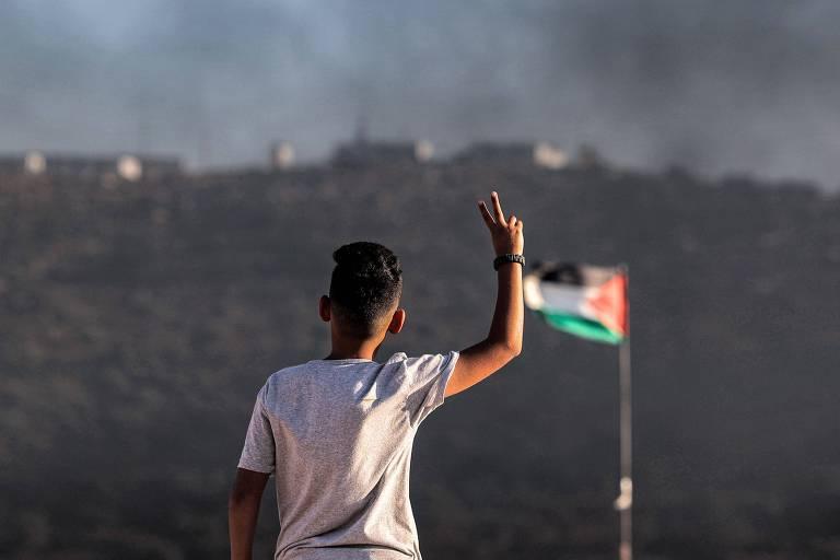 Líder palestino e ministro israelense se reúnem e falam de economia, mas não de paz