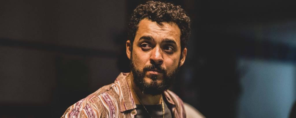 Rui Ricardo Diaz interpreta o policial Vitor Morello na série