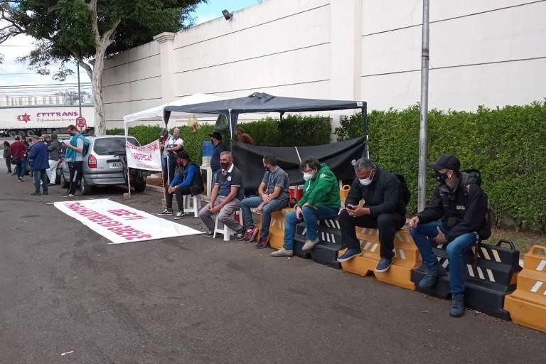 Funcionários da RedeTV! fazem greve por reajuste salarial