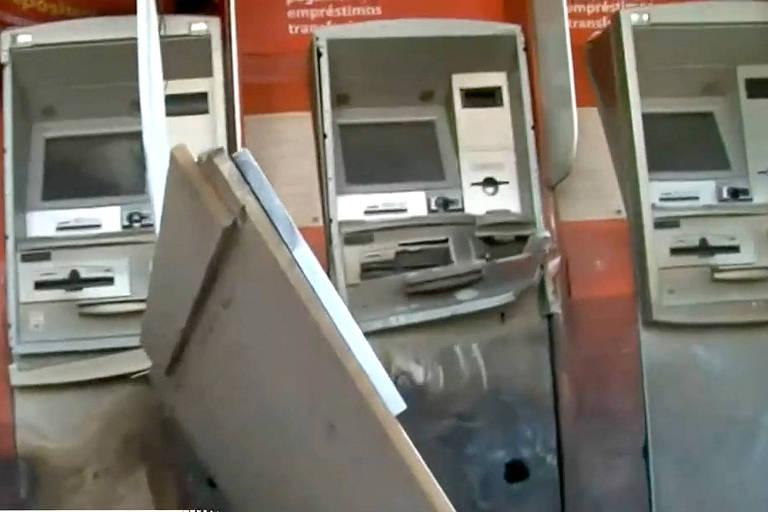 Quadrilha usa explosivos em ataque a banco no interior do Paraná