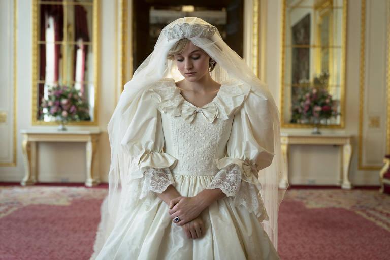 Atriz de 'The Crown' se diz feliz por deixar papel de Diana em fase sombria