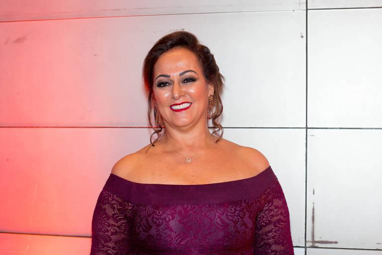 Mãe de Neymar, Nadine Gonçalves, faz tratamento para rejuvenescer corpo
