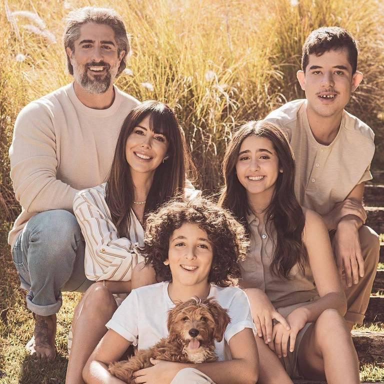 O apresentador Marcos Mion e Família