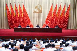 CHINA-XI JINPING-ESCUELA DEL PARTIDO-FUNCIONARIOS-SESION DE CAPACITACION
